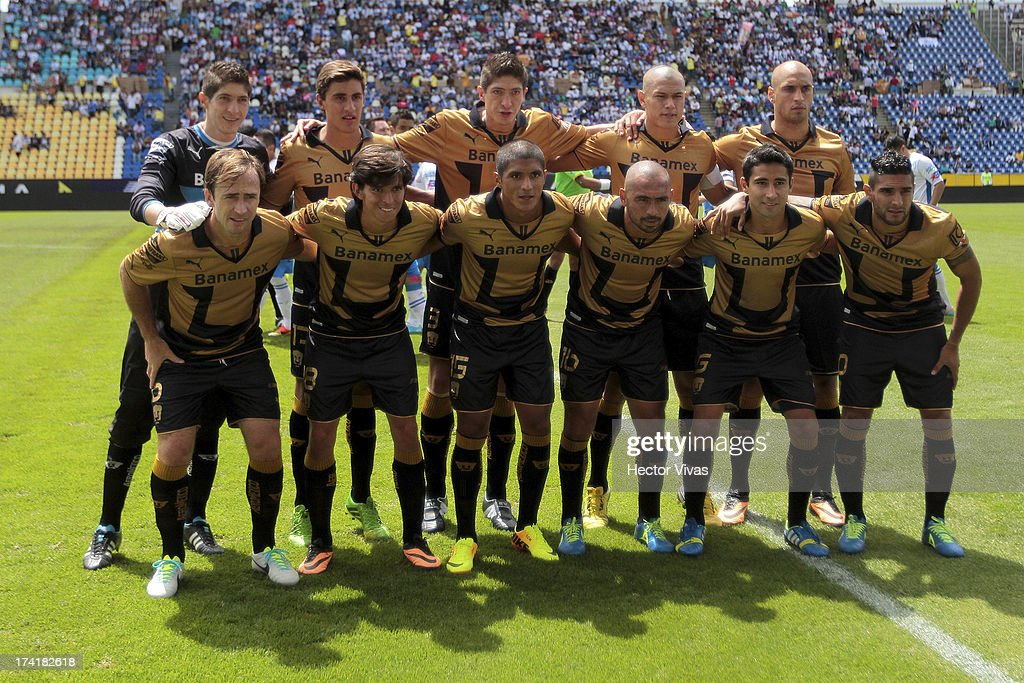 Players of Pumas pose for a team photo prior to a match between Pumas and Puebla as part of the Torneo Apertura 2013 Liga Mx at Cuauhtemoc Stadium on July 21, 2013 in Puebla, Mexico.