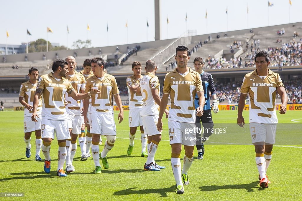 Players of Pumas prepare for a match between Pumas and Leon as part of the Apertura 2013 Liga MX at Olympic stadium, on August 18, 2013 in Mexico City, Mexico.