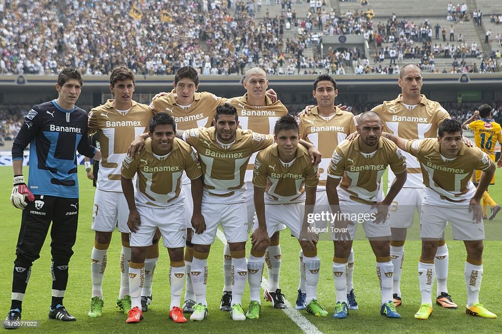 Players of Pumas UNAM pose for a picture prior to a match between Pumas and Tigres as part of Apertura 2013 of Liga MX at Olympic stadium on August 04, 2013 in Mexico City, Mexico.