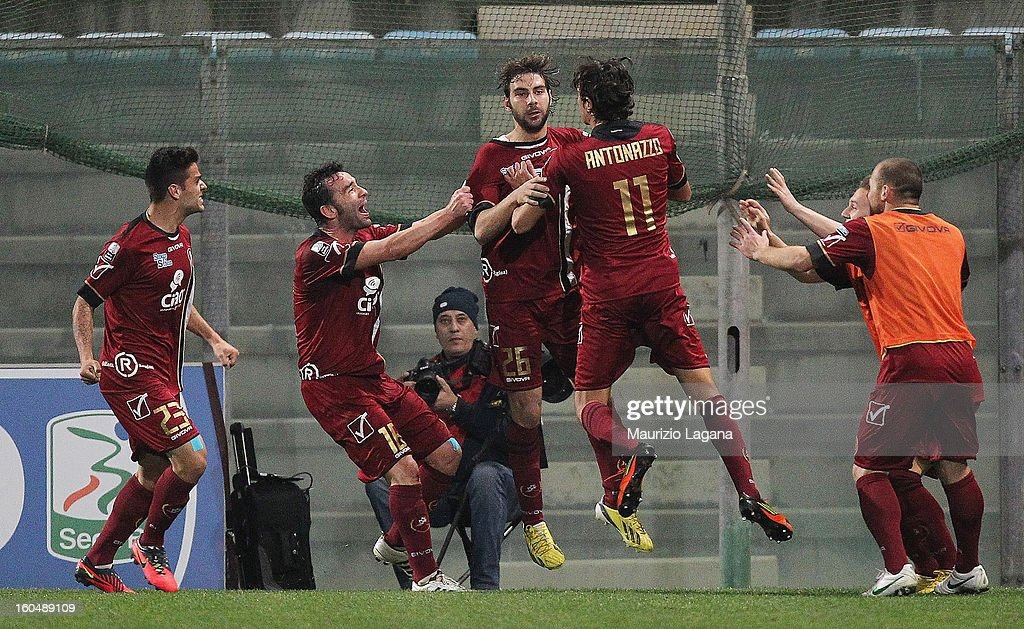Players of Reggina celebrate the equalizing goal during the Serie B match between Reggina Calcio and Hellas Verona at Stadio Oreste Granillo on February 1, 2013 in Reggio Calabria, Italy.