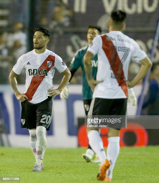 Players of River Plate look dejected after a match between Gimnasia y Esgrima La Plata and River Plate as part of the Superliga 2017/18 at Juan...