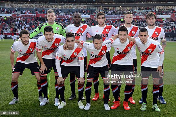 Players of River Plate pose for a photo prior to a match between River Plate and Colon as part of 18th of Torneo Primera Division 2015 at Monumental...