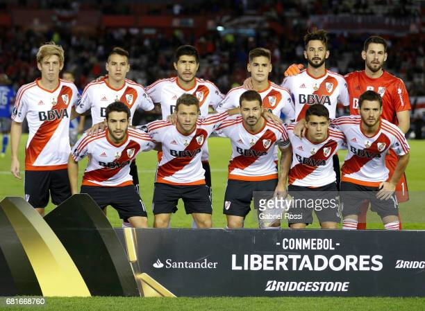 Players of River Plate pose for a photo prior to the group stage match between River Plate and Emelec as part of Copa CONMEBOL Libertadores...