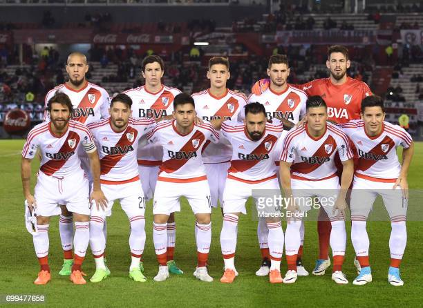 Players of River Plate pose for a team photo prior to a match between River Plate and Aldosivi as part of Torneo Primera Division 2016/17 at...