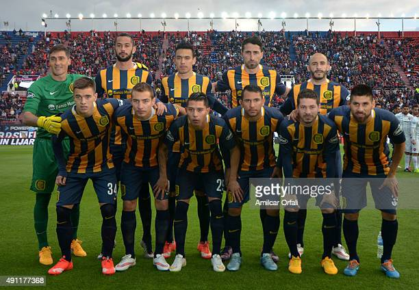 Players of Rosario Central pose for a team picture prior a match between San Lorenzo and Rosario Central as part of 27th round of Torneo Primera...