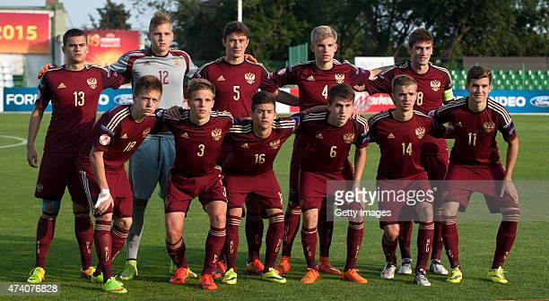 Players of Russia U17 posse for photographers prior the UEFA European Under17 Championship Semi Final match between Germany U17 and Russia U17 at...