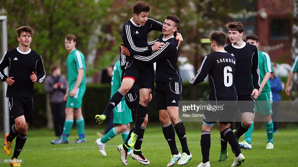 Players of Sachsen celebrates a goal during their final match against Niederrhein during the U16 Juniors Federal Cup at Sportschule Wedau on May 03, 2016 in Duisburg, North Rhine-Westphalia.