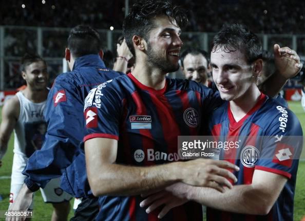 Players of San Lorenzo celebrate after winning the match between San Lorenzo and Botafogo as part of Copa Bridgestone Libertadores 2014 at Pedro...