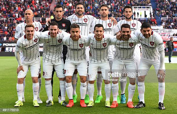 Players of San Lorenzo pose for a team picture prior a match between San Lorenzo and Rosario Central as part of 27th round of Torneo Primera Division...