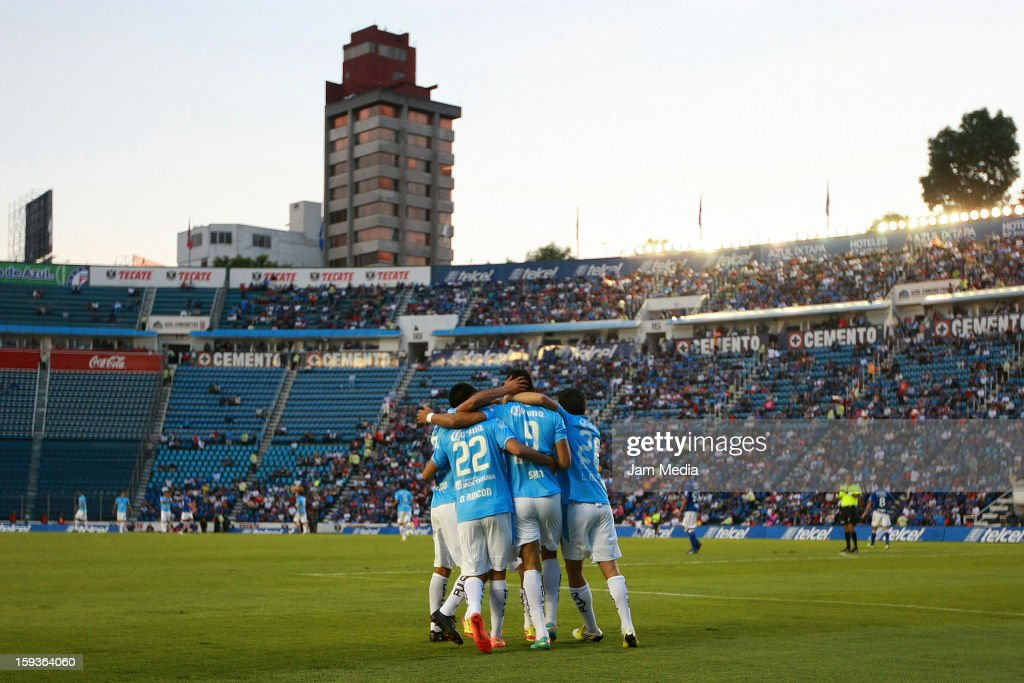Players of San Luis celebrate during the Clausura 2013 Liga MX at Azul Stadium on january 12 2013 in Mexico City Mexico