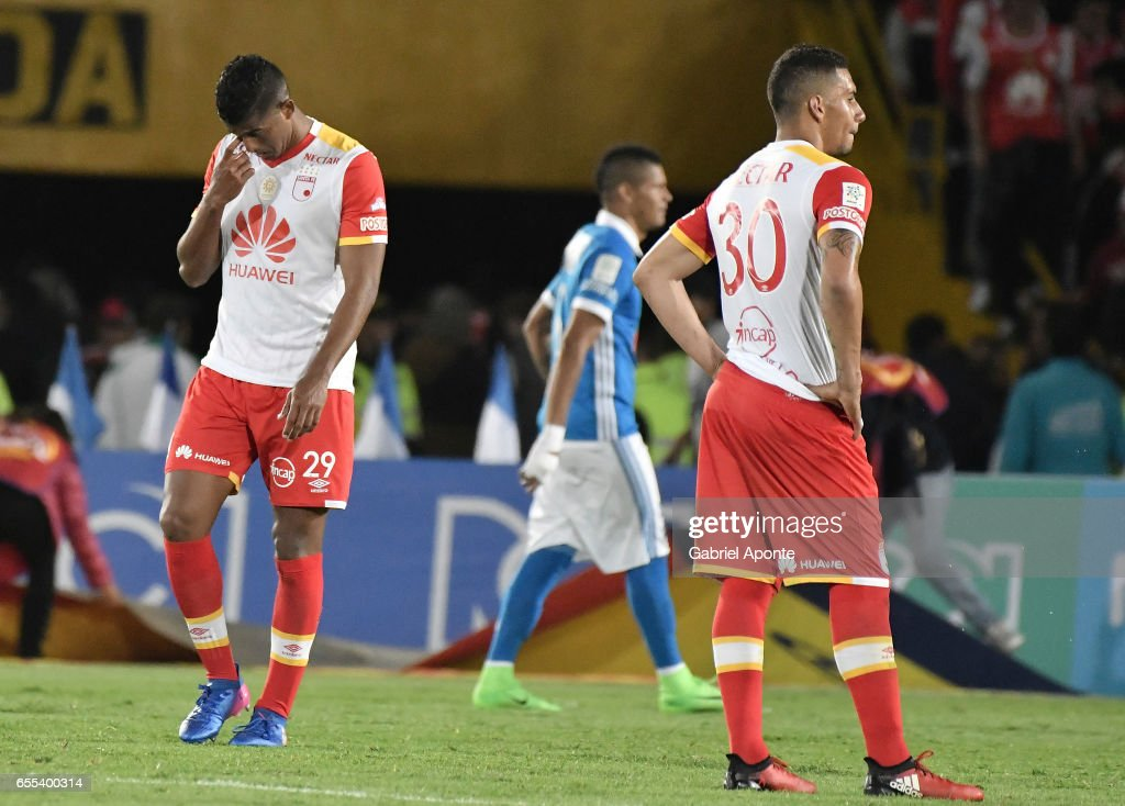 Players of Santa Fe look dejected after losing the match between Millonarios and Independiente Santa Fe as part of the Liga Aguila 2017 at Nemesio Camacho El Campin Stadium on March 19, 2017 in Bogota, Colombia.