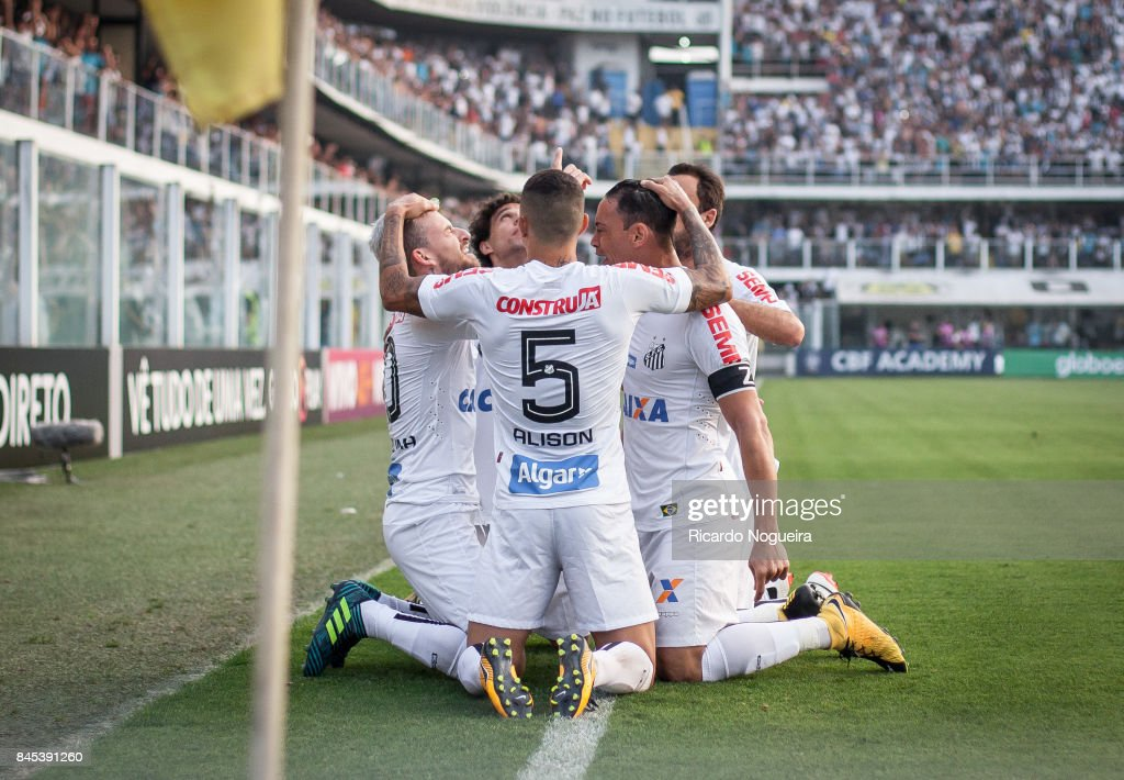 Players of Santos celebrate a goal scored by Lucas Lima #10 during the match between Santos and Corinthians as a part of Campeonato Brasileiro 2017 at Vila Belmiro Stadium on September 10, 2017 in Santos, Brazil.