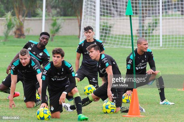 Players of Santos train during the Pre Season training for the Torneo Apertura 2017 Liga MX at Hotel Iberostar on June 19 2017 in Cancun Mexico