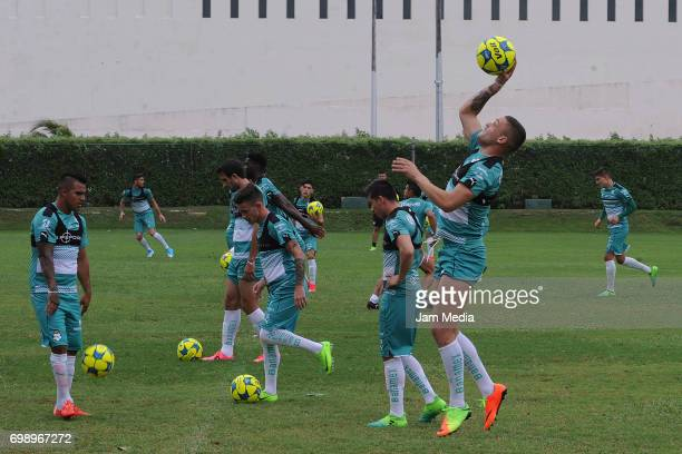 Players of Santos warm up during the Pre Season training for the Torneo Apertura 2017 Liga MX at Hotel Iberostar on June 20 2017 in Cancun Mexico