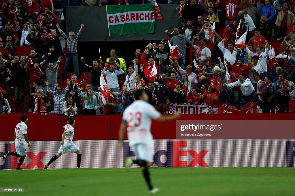 Players of Sevilla celebrate scoring a goal during the UEFA Europa League semi-final second leg football match between Sevilla and Shakhtar Donetsk at the Sanchez Pizjuan Stadium in Sevilla, Spain on May 5, 2016.