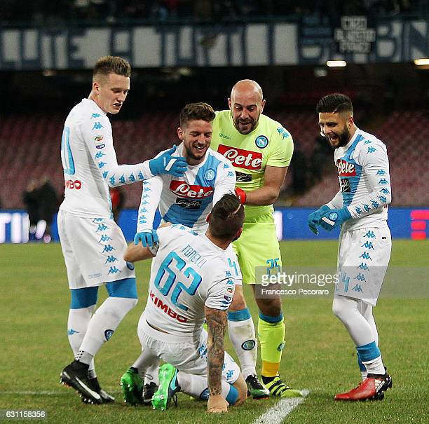 Players of SSC Napoli celebrates after Lorenzo Tonelli scored goal 21 during the Serie A match between SSC Napoli and UC Sampdoria at Stadio San...
