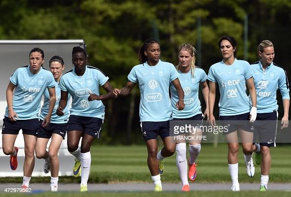 Players of teh French national women's football team take ...