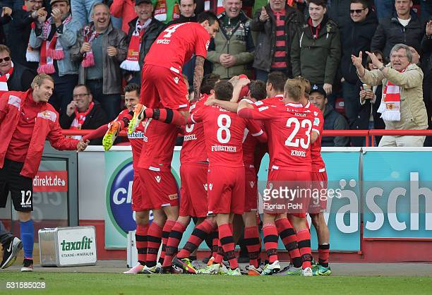 players of the 1st FC Union Berlin celebrate after scoring the 20 during the game between Union Berlin and dem SC Freiburg on may 15 2016 in Berlin...