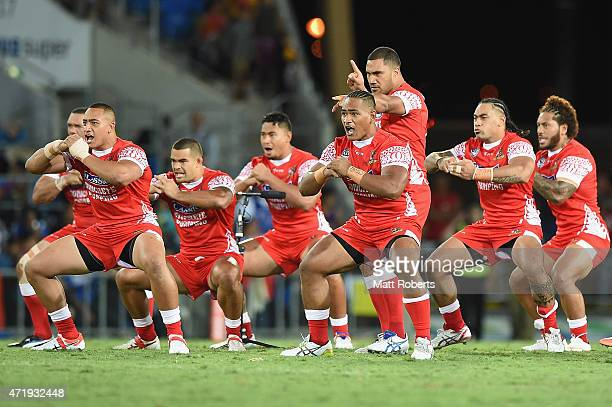 Players of Tonga perform the team war dance before the International Test Match between TOA Samoa and Tonga at Cbus Super Stadium on May 2 2015 on...