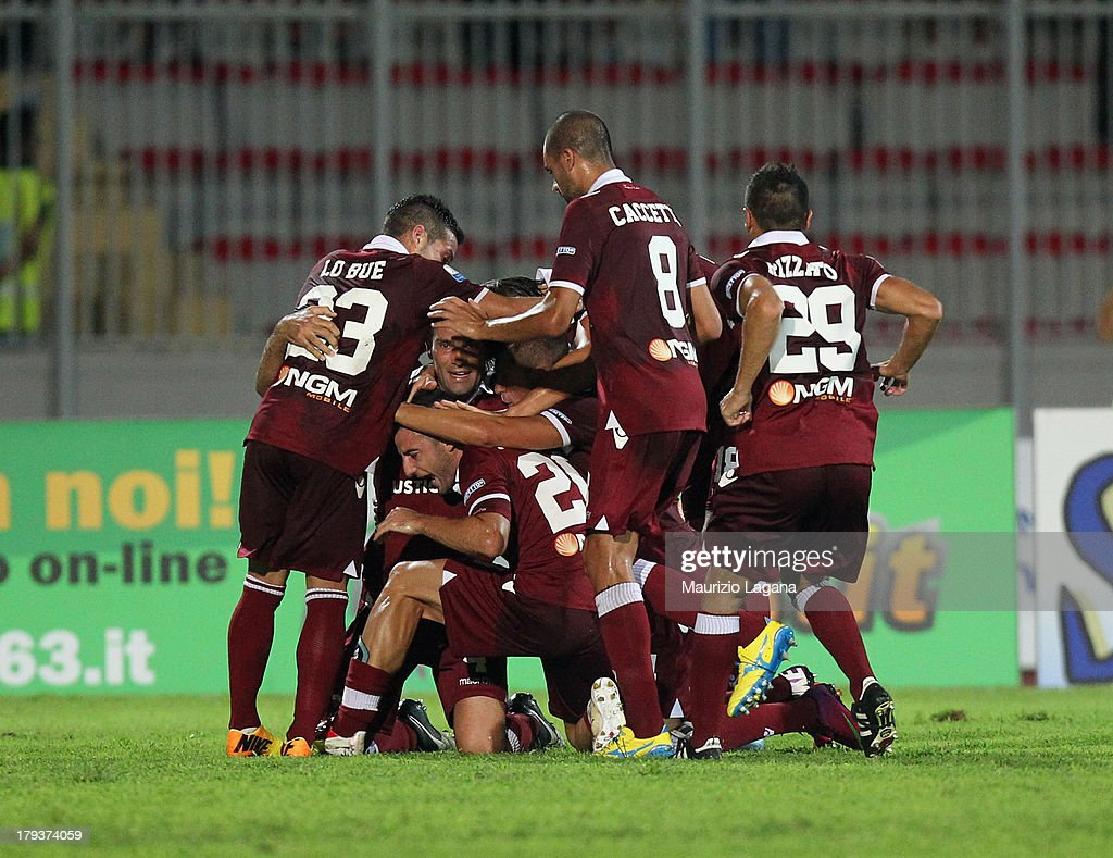 Players of Trapani celebrates the equalizing goal during the Serie B match between Trapani Calcio and Pescara Calcio at Stadio Provinciale on September 2, 2013 in Trapani, Italy.