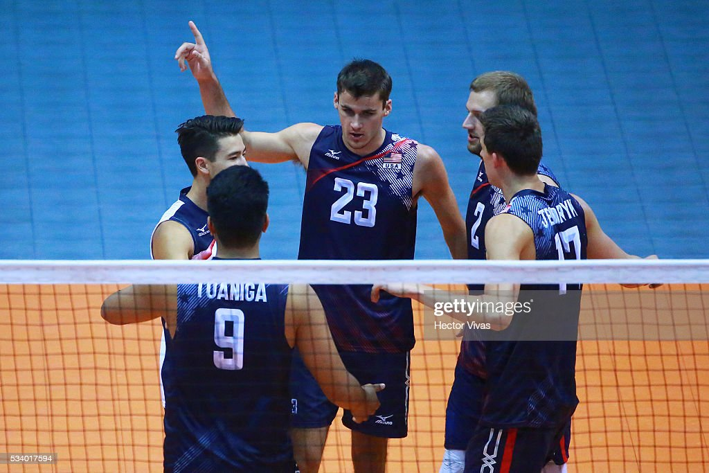 Players of United States celebrate during a match between USA and Canada as part of Men's Panamerican Volleybal Cup at Gimnasio Ol'mpico Juan de la Barrera on May 24, 2016 in Mexico City, Mexico.