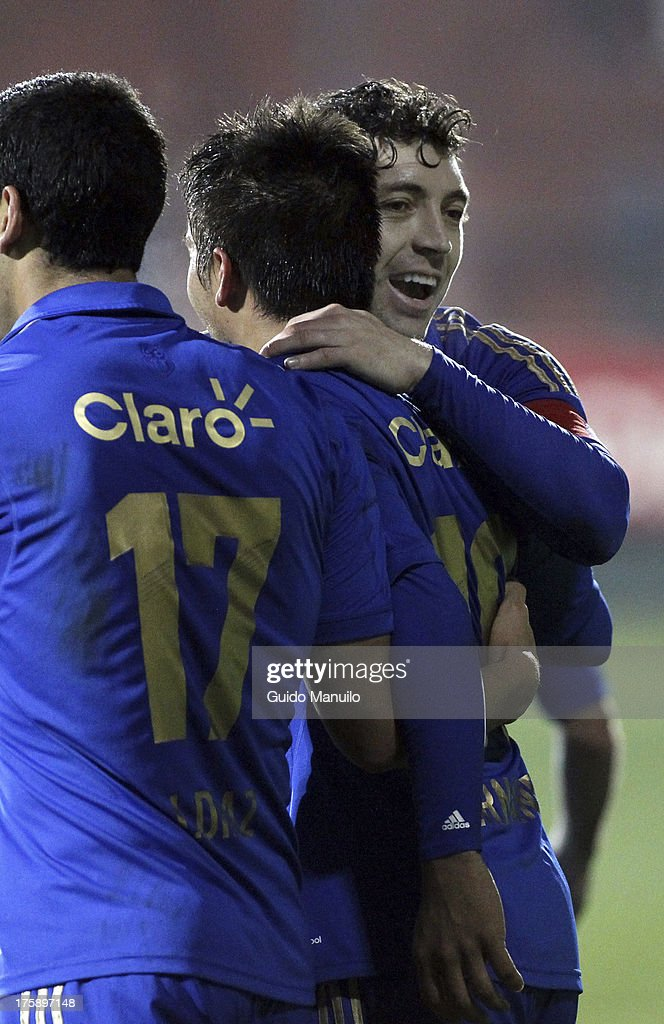Players of Universidad de Chile , celebrate during a match between Universidad de Chile and Cobresal as part of the Torneo Apertura 2013 at Santa Laura Stadium on August 09, 2013 in Santiago, Chile.