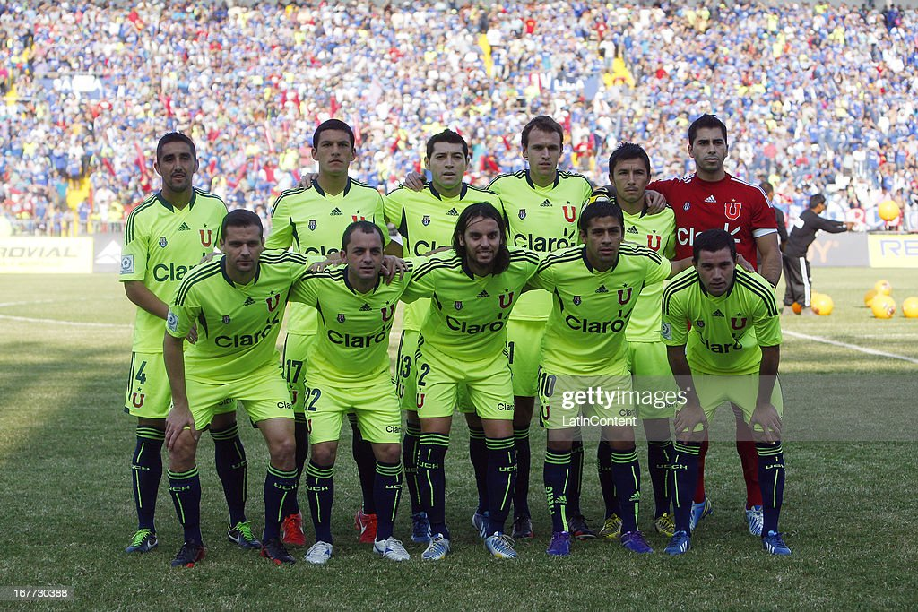 Players of Universidad de Chile pose for their team during a match between Antofagasta and Universidad de Chile as part of Torneo Descentralizado 2013 at Bicentenario Calvo y Bascunan stadium on April 28, 2013 in Antofagasta, Chile.