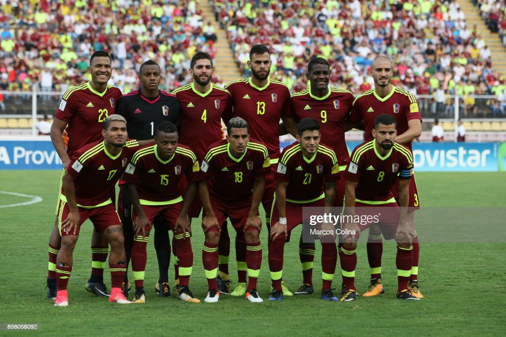 Players of Venexuela pose the match between Venezuela and Uruguay as part of FIFA 2018 World Cup Qualifiers at Pueblo Nuevo Stadium on October 05, 2017 in San Cristobal, Venezuela.