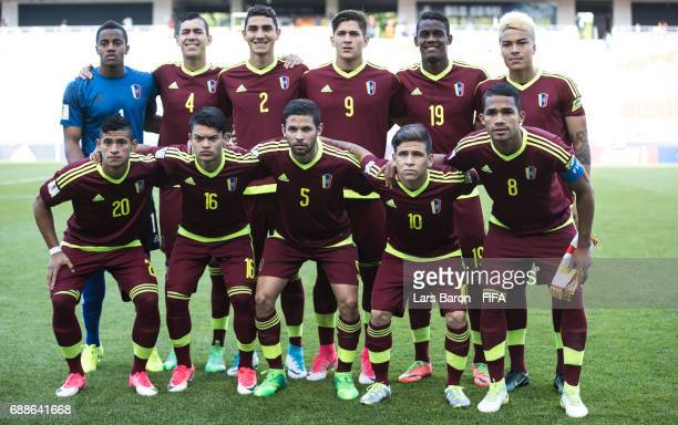 Players of Venezuela pose for a picture during the FIFA U20 World Cup Korea Republic 2017 group B match between Mexico and Venezuela at Suwon World...
