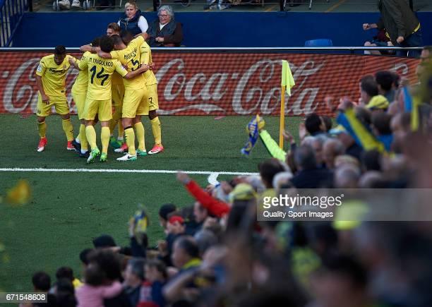 Players of Villarreal celebrates after scoring the second goal during the La Liga match between Villarreal CF and CD Leganes at Estadio de la...