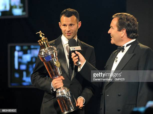 Players Player winner Ryan Giggs speaks to Jeff Stelling at the PFA Player of the Year Awards 2009 at the Grosvenor House Hotel London