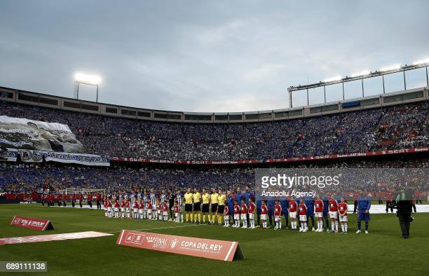 Players pose for a photo ahead of the Copa Del Rey Final between FC Barcelona and Deportivo Alaves at Vicente Calderon Stadium on May 27 2017 in...