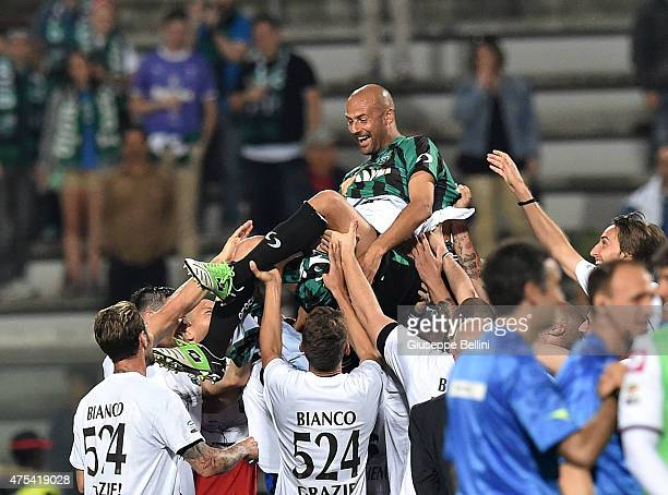 Players sassuolo lead in triumph Paolo Bianco of Sassuolo that played his 524th and last game as a professional after the Serie A match between US...