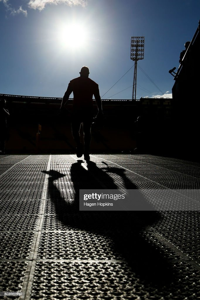 Players take the field during a New Zealand All Blacks training session at Westpac Stadium on June 29, 2017 in Wellington, New Zealand.