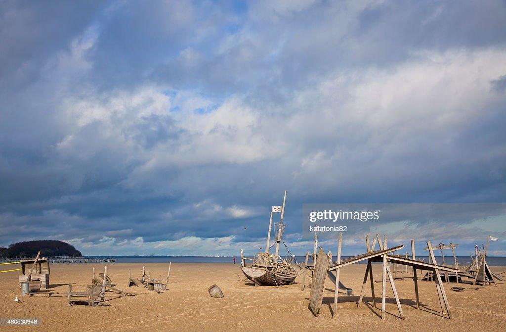 プレイグラウンドのビーチトラヴェミュンデ : ストックフォト