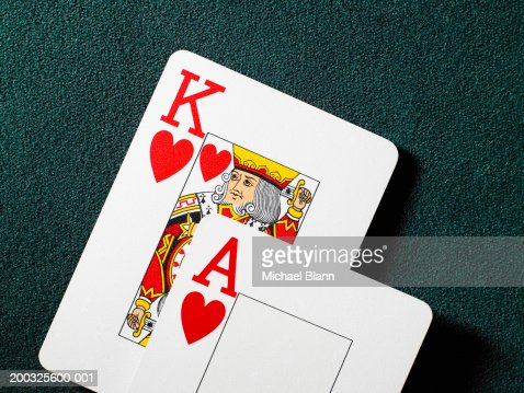 Playing cards, king and ace of hearts, close-up : Bildbanksbilder