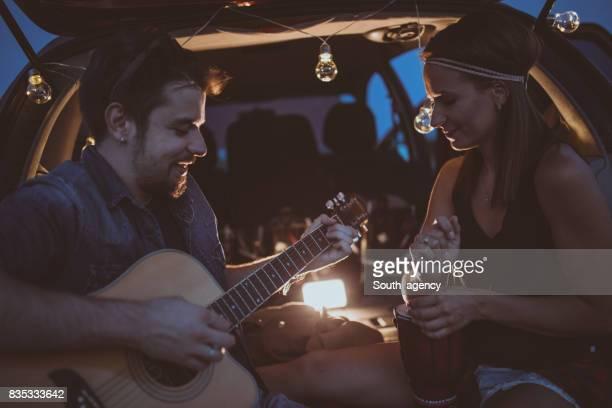 Gitarre spielen an einem Tag