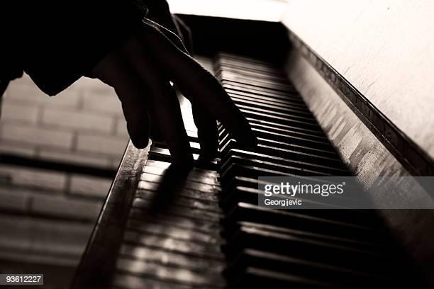 Suona il pianoforte