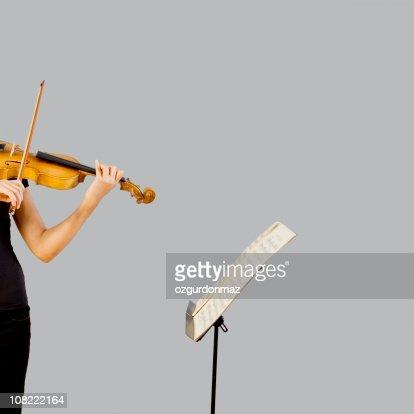 Tocando violín : Foto de stock