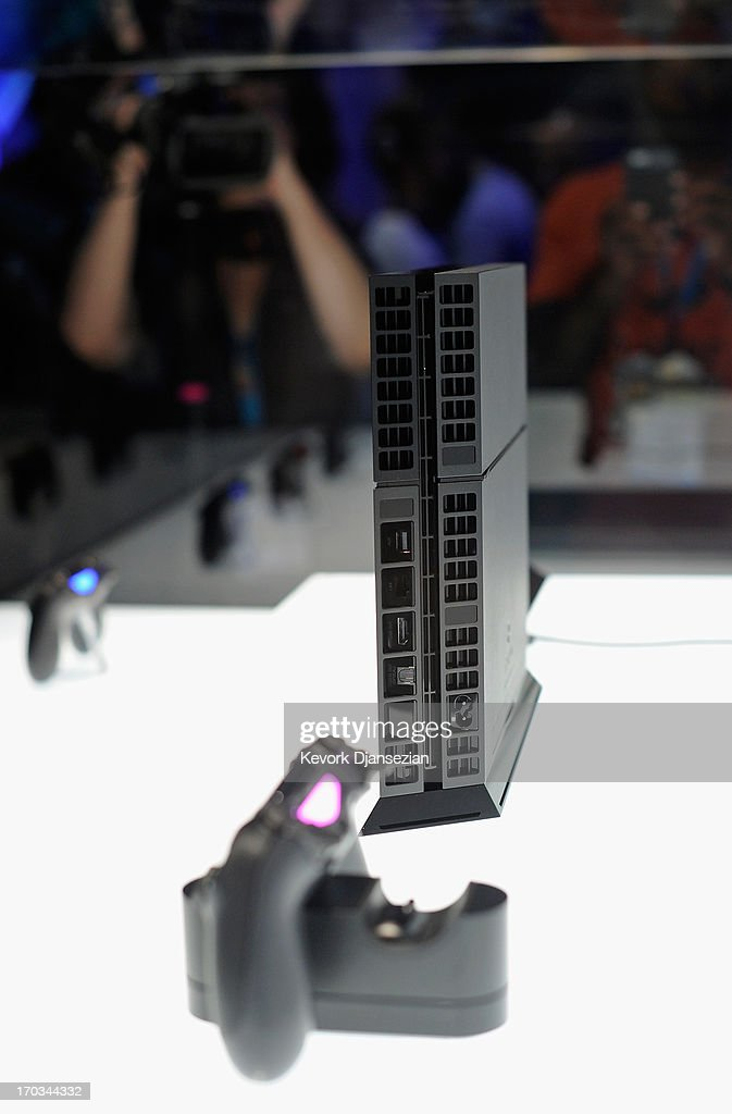 A Playstation 4 and its controller on display at the Sony Playstation E3 2013 booth at the Los Angeles Convention Center on June 11, 2013 in Los Angeles, California. Thousands are expected to attend the annual three-day convention to see the latest games and announcements from the gaming industry.