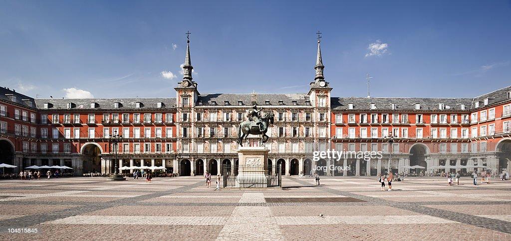 Plaza Mayor with Casa de la Panaderia