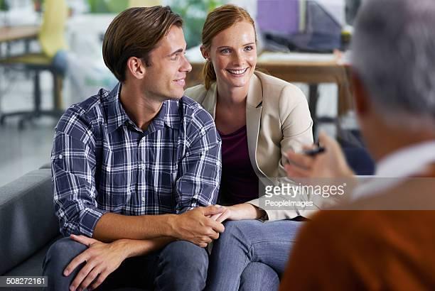 Felice con la loro valutazione finanziaria