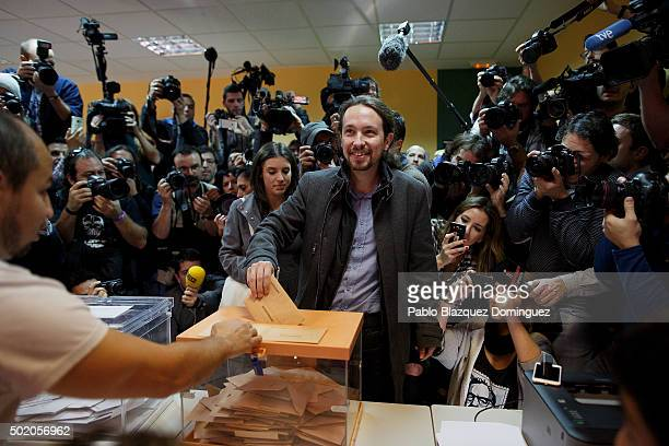 Podemos leader Pablo Iglesias casts his vote at a polling station on December 20 2015 in Madrid Spain Spaniards went to the polls today to vote for...