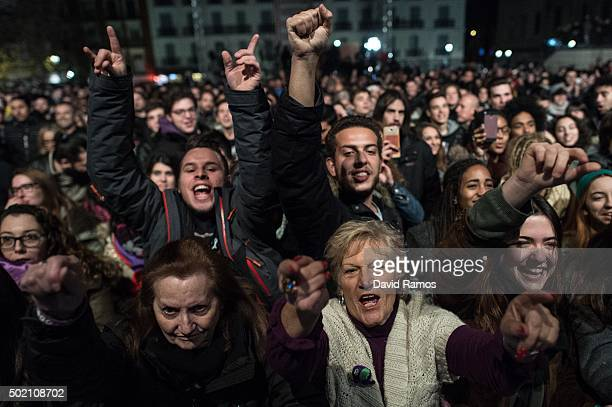 Podemos supporters cheer at the first exit poll results on December 20 2015 in Madrid Spain Spaniards went to the polls today to vote for 350 members...