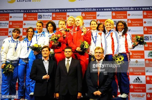 Podium Equipe de France Maureen NISIMA / Nathalie ALIBERT / Laura FLESSEL COLOVIC / Hajnalka KIRALY PICOT / Stephane RIBOUD Epee Championnat d'Europe...