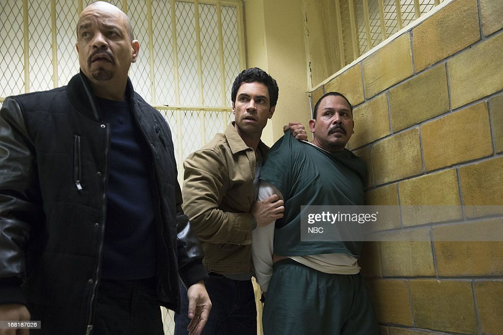 UNIT -- 'Poisoned Motive' Episode 1422 -- Pictured: (l-r) <a gi-track='captionPersonalityLinkClicked' href=/galleries/search?phrase=Ice-T&family=editorial&specificpeople=213017 ng-click='$event.stopPropagation()'>Ice-T</a> as Detective Odafin 'Fin' Tutuola, <a gi-track='captionPersonalityLinkClicked' href=/galleries/search?phrase=Danny+Pino&family=editorial&specificpeople=240258 ng-click='$event.stopPropagation()'>Danny Pino</a> as Detective Nick Amaro, Emilio Rivera as Benito Escobar --