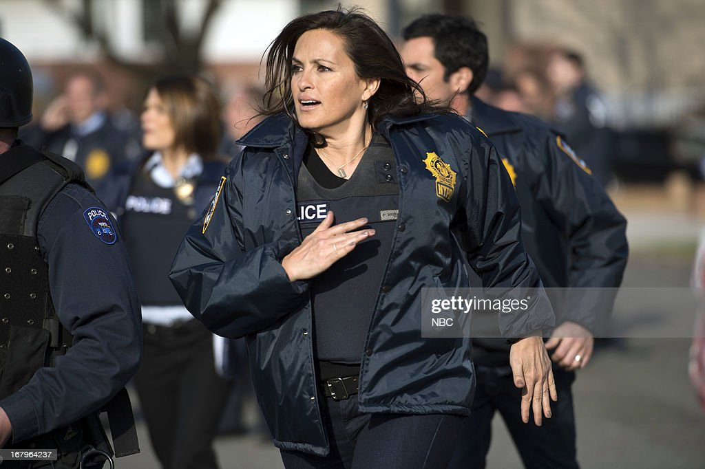 UNIT -- 'Poisoned Motive' Episode 1422 -- Pictured: <a gi-track='captionPersonalityLinkClicked' href=/galleries/search?phrase=Mariska+Hargitay&family=editorial&specificpeople=204727 ng-click='$event.stopPropagation()'>Mariska Hargitay</a> as Detective Olivia Benson --