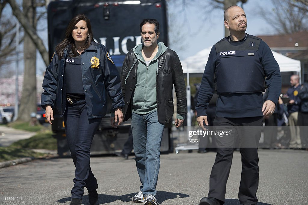 UNIT -- 'Poisoned Motive' Episode 1422 -- Pictured: (l-r) <a gi-track='captionPersonalityLinkClicked' href=/galleries/search?phrase=Mariska+Hargitay&family=editorial&specificpeople=204727 ng-click='$event.stopPropagation()'>Mariska Hargitay</a> as Detective Olivia Benson, <a gi-track='captionPersonalityLinkClicked' href=/galleries/search?phrase=Yul+Vazquez&family=editorial&specificpeople=2491110 ng-click='$event.stopPropagation()'>Yul Vazquez</a> as Luis Montero, <a gi-track='captionPersonalityLinkClicked' href=/galleries/search?phrase=Ice-T&family=editorial&specificpeople=213017 ng-click='$event.stopPropagation()'>Ice-T</a> as Detective Odafin 'Fin' Tutuola --