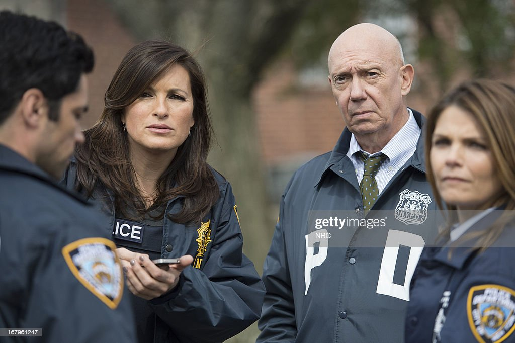 UNIT -- 'Poisoned Motive' Episode 1422 -- Pictured: (l-r) <a gi-track='captionPersonalityLinkClicked' href=/galleries/search?phrase=Mariska+Hargitay&family=editorial&specificpeople=204727 ng-click='$event.stopPropagation()'>Mariska Hargitay</a> as Detective Olivia Benson, <a gi-track='captionPersonalityLinkClicked' href=/galleries/search?phrase=Dann+Florek&family=editorial&specificpeople=842370 ng-click='$event.stopPropagation()'>Dann Florek</a> as Captain Donald Cragen --