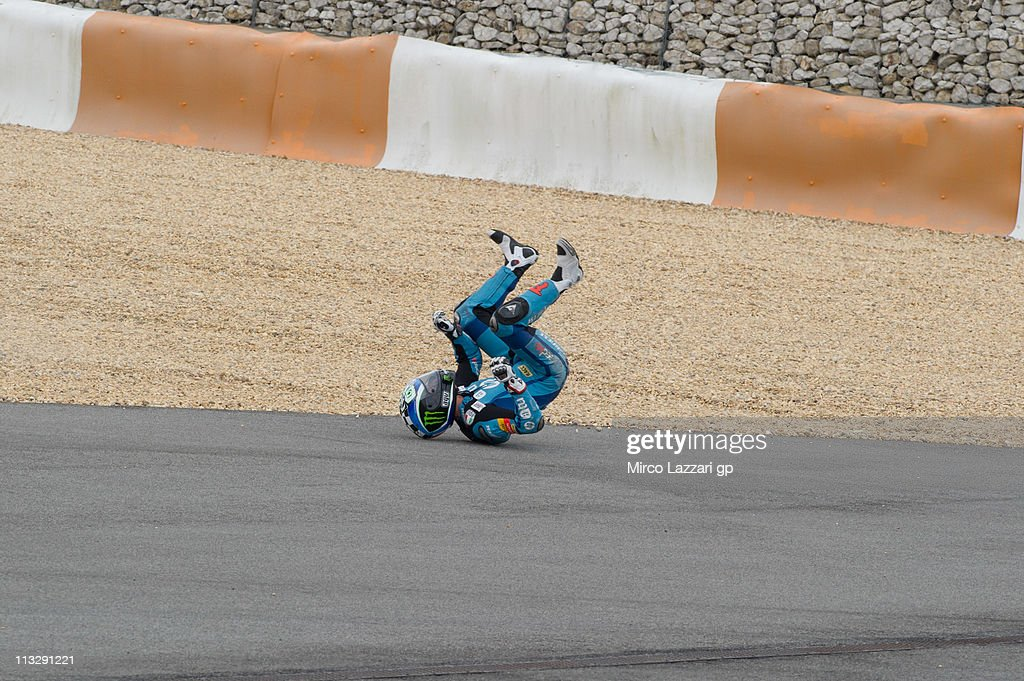 <a gi-track='captionPersonalityLinkClicked' href=/galleries/search?phrase=Pol+Espargaro&family=editorial&specificpeople=3211455 ng-click='$event.stopPropagation()'>Pol Espargaro</a> of Spain and HP Tuenti Speed Up crashed out during the free practice of MotoGP of Portugal in Estoril Circuit on April 30, 2011 in Estoril, Portugal.